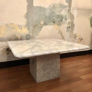 table basse carrée marbre blanc