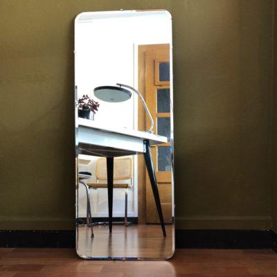 grand miroir vintage 60' support bois (petit accroc sur le bas)