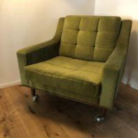 fauteuil velours vert, pied compas à roulette, 60'