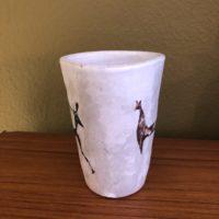 gobelet signé yurtsua signature inversee ceramiste francais j. austruy 60'
