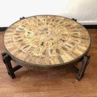 """table ronde ceramique et bois """"herbier"""" de roger capron 70' diam. 106 h.32"""