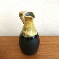 céramique noire et moutarde signé non attribué h. 18