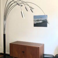 lampadaire arc alu 7 bras (360°) pied métal noir laqué Italie 70'  h 215 p 185